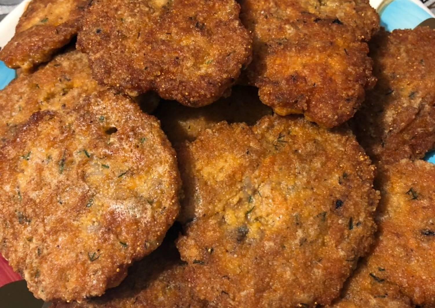 Рыбные котлеты из толстолобика  - рецепты с фото