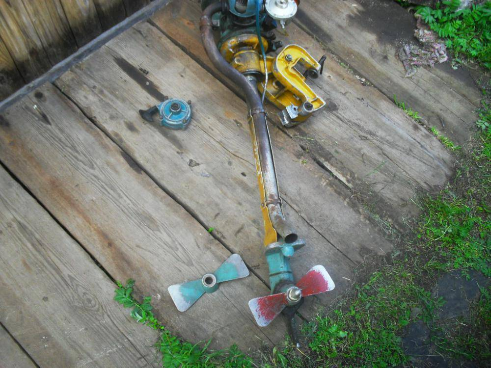 Что такое насадка для переделки триммера в лодочный мотор?