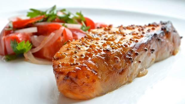 Классический рецепт рыбы под маринадом из моркови и лука: вкусный, язык проглотишь