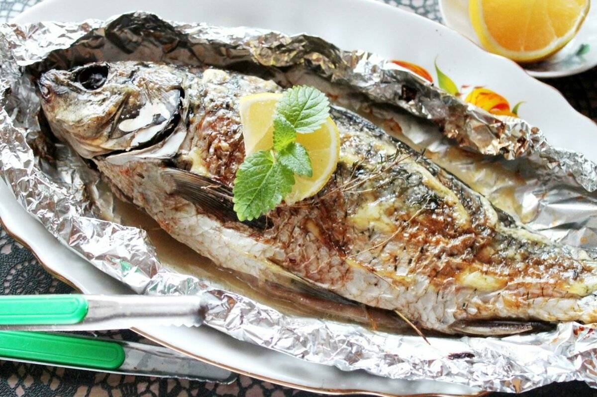 Рыба сазан: 6 вкусных рецептов приготовления, как запечь в духовке или пожарить на сковороде