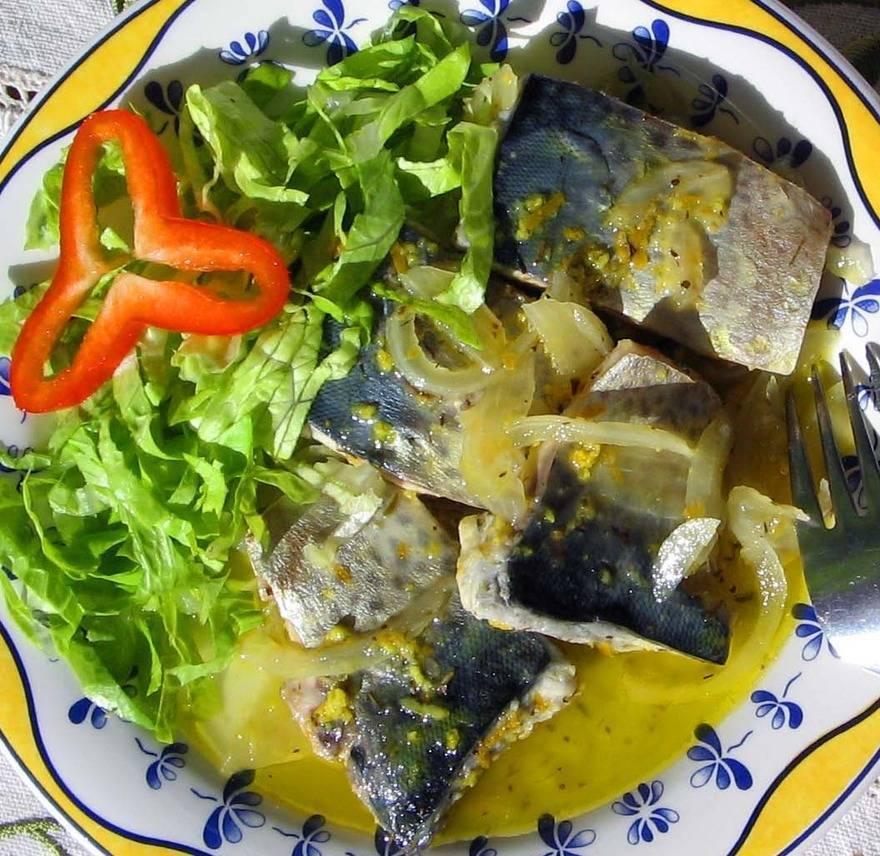 Салат из скумбрии - 10 рецептов приготовления пошагово - 1000.menu