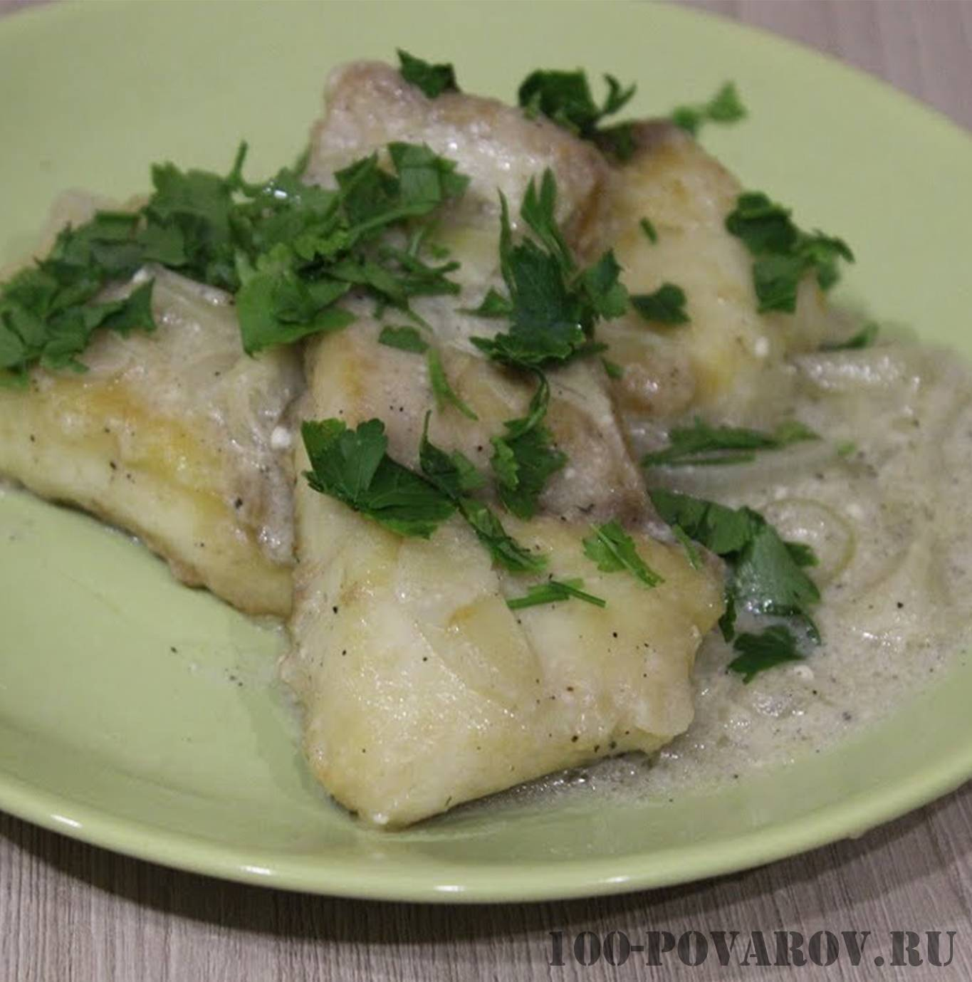 Тушеная щука в сметане на сковороде – рецепт