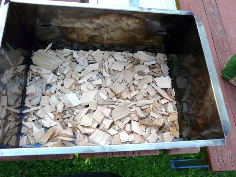 Полезные способы применения древесных опилок