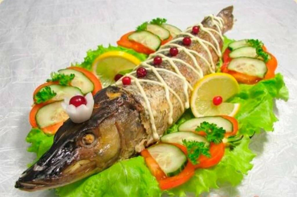 Фаршированная щука - как приготовить по пошаговым рецептам рыбу целиком в духовке с фото