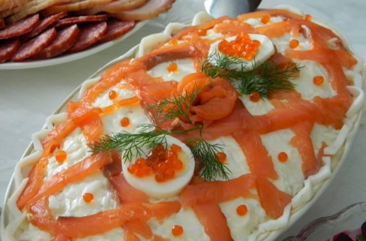 Рыбные салаты на праздничный стол - или как приготовить полезные закуски для гостей: рецепт с фото и видео