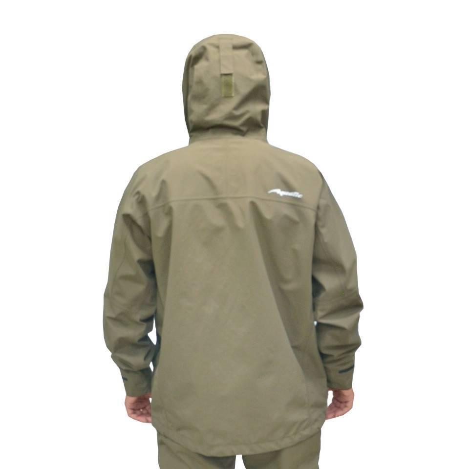 Выбираем непромокаемый костюм для рыбалки