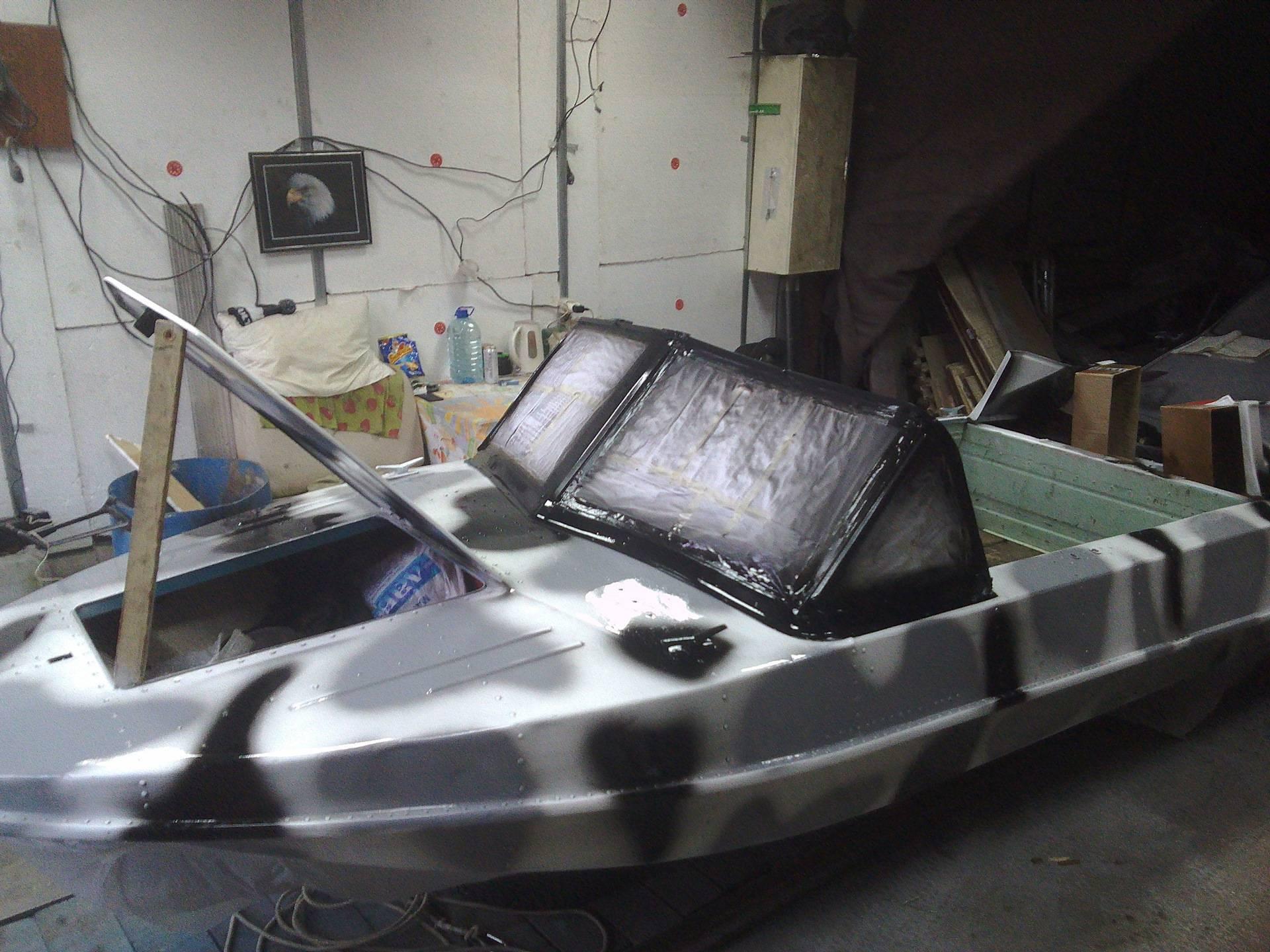 Покраска катера необрастайкой
