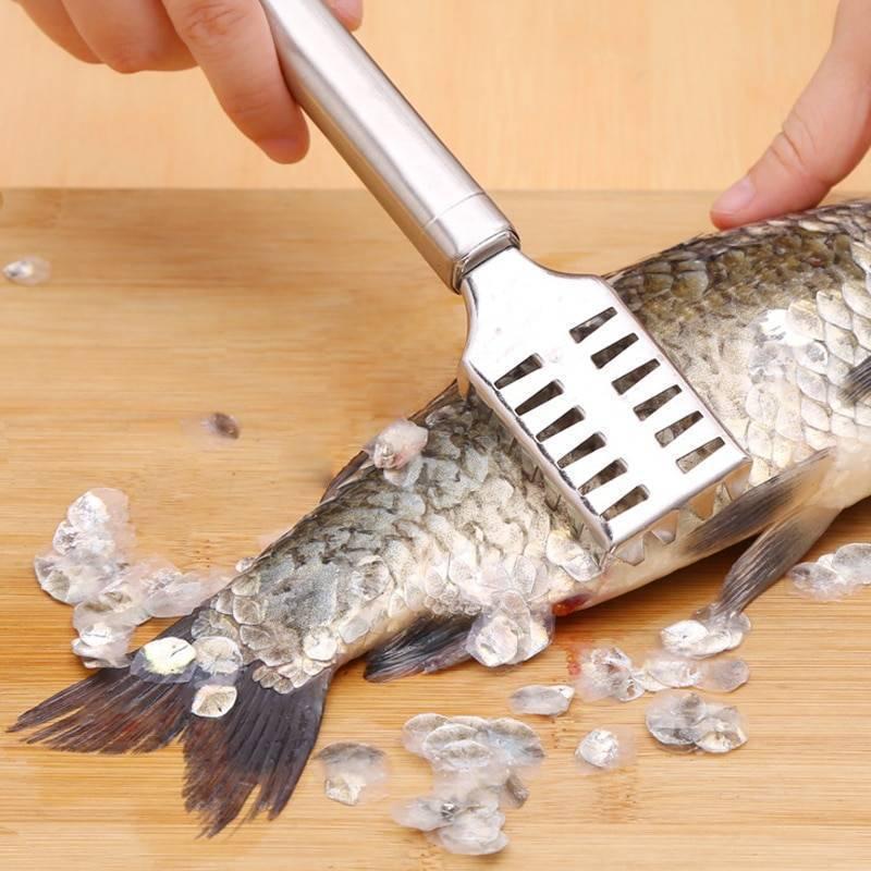 Нож для чистки рыбы: от ручной чистилки и электрического прибора до самодельных приспособлений