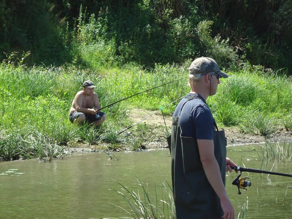 Профессиональная платная рыбалка со спиннингом с катера на реке оке - отчёты рыбалках