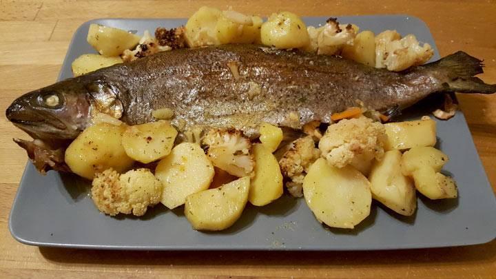 Форель, запеченная в фольге в духовке - 10 вкусных рецептов пошагово с фото