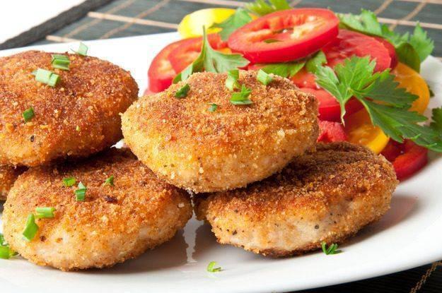 Рыбные котлеты - очень вкусно, рецепт невероятно простой и понятный!