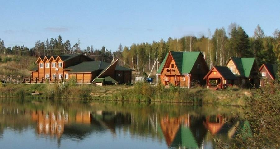 База в астрахани «рыбацкая деревня» в енотаевском районе астраханской области (река енотаевка, волга выше астрахани)
