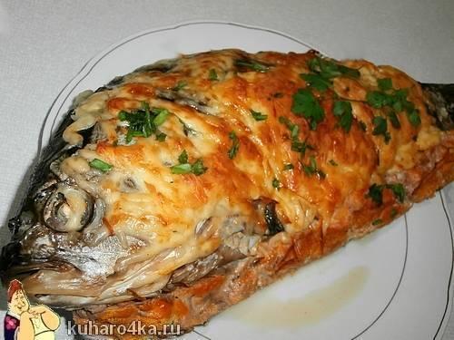 Карась в духовке: (рецепты запекания карася в сметане, в соли и др.)