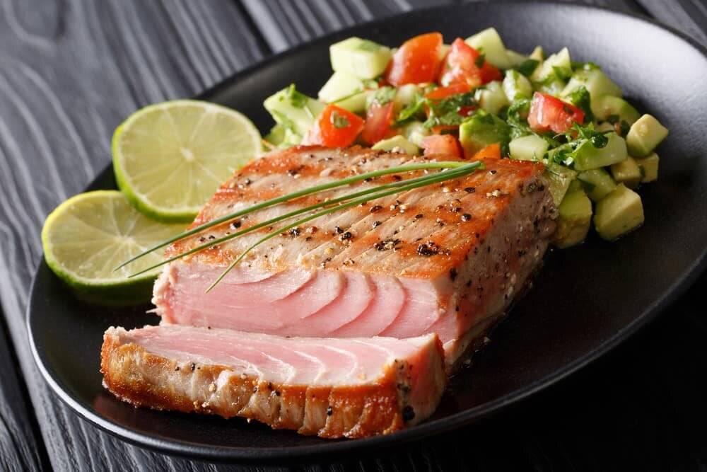 Можно ли есть тунца сырым? польза и риски