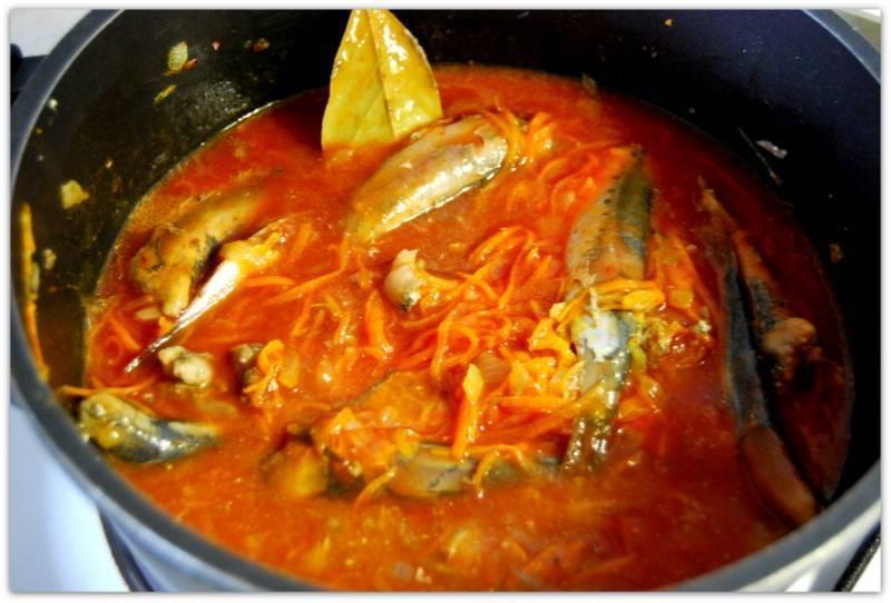 Рыбные консервы в домашних условиях: из сайры, скумбрии, мойвы, сельди или речной рыбы