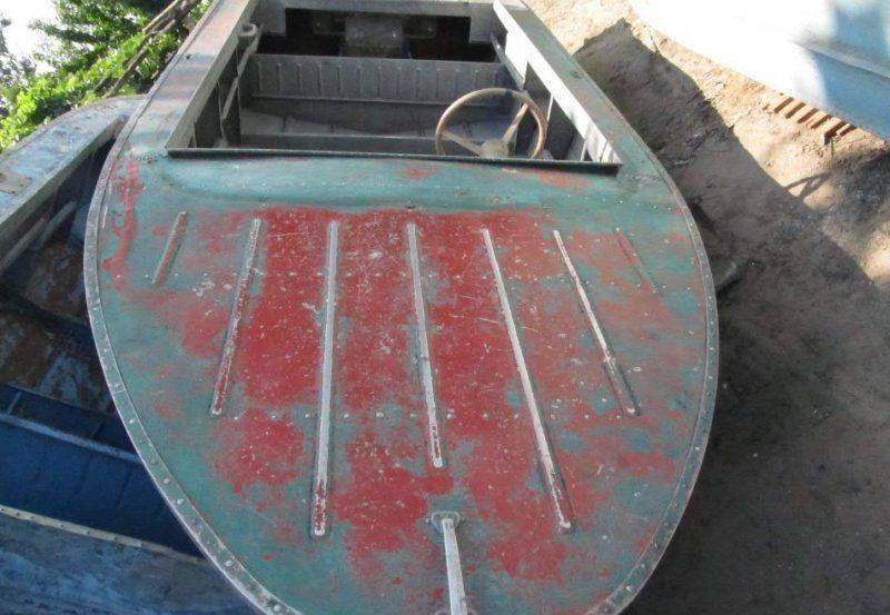 Какой краской лучше красить деревянную лодку