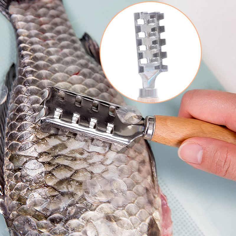 Чистка рыбы от чешуи