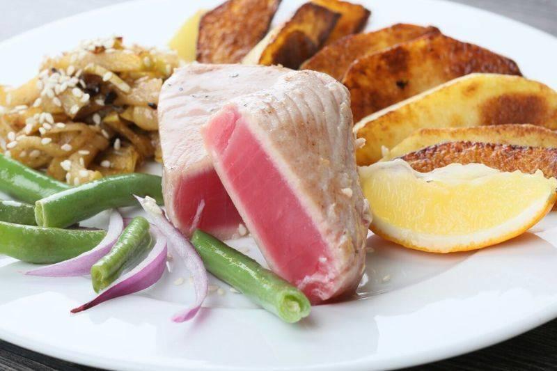 Тунец: польза и вред жареной, запеченной и консервированной рыбы