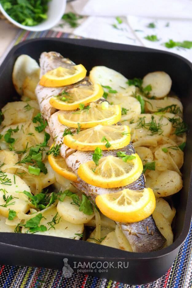 Рыба с картошкой в духовке — 8 рецептов запекания