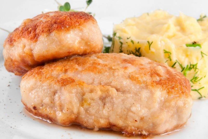 Рыбные котлеты из минтая — 12 домашних вкусных рецептов