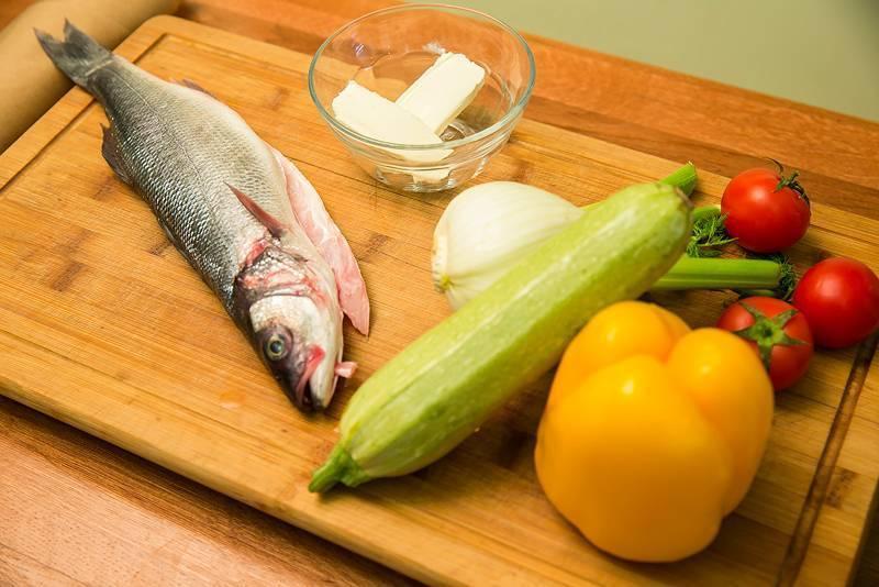 Сибас в духовке: 4 рецепта с фото