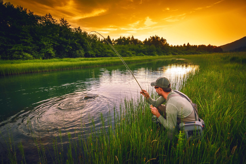 Увлекательная рыбалка наОзерне