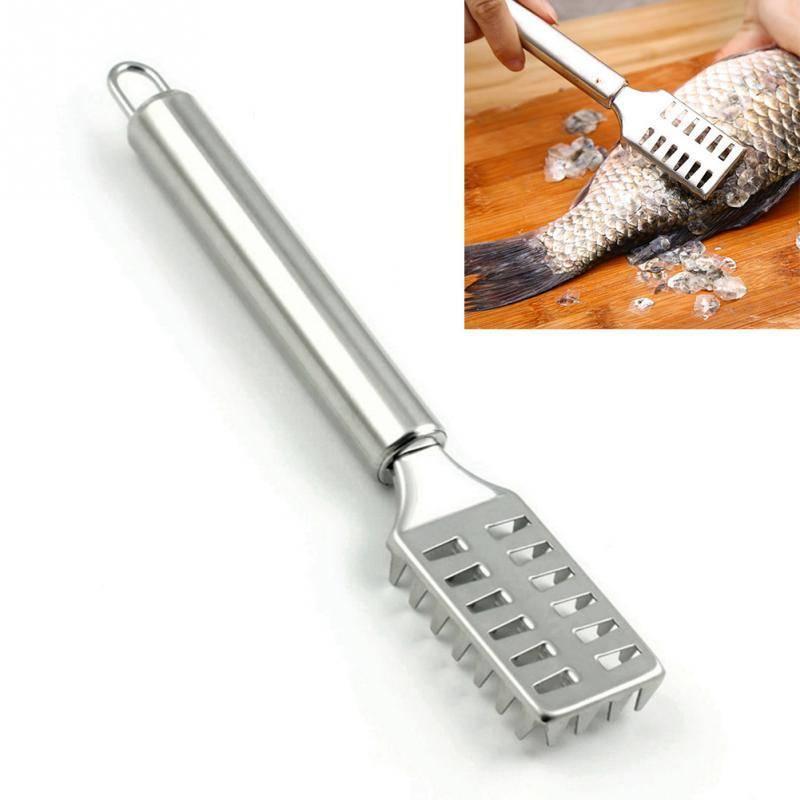 Лайфхак: как быстро, легко почистить рыбу от чешуи и не испачкать кухню | myorlova.ru