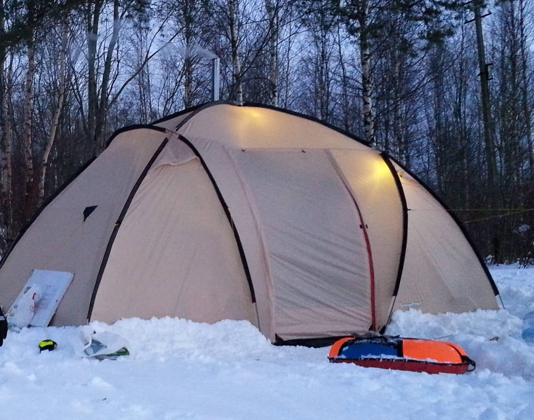 Зимние палатки: особенности выбора и использования