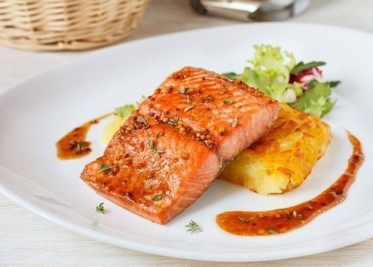 Как приготовить лосось в духовке сочной, вкусно