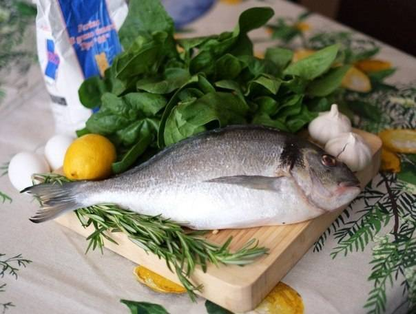 Запеченный сибас с овощами и травами рецепт с фото - 1000.menu
