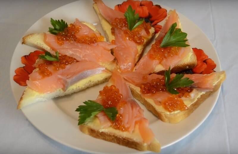 Вкусные бутерброды с красной рыбой — 10 простых рецептов на праздничный стол