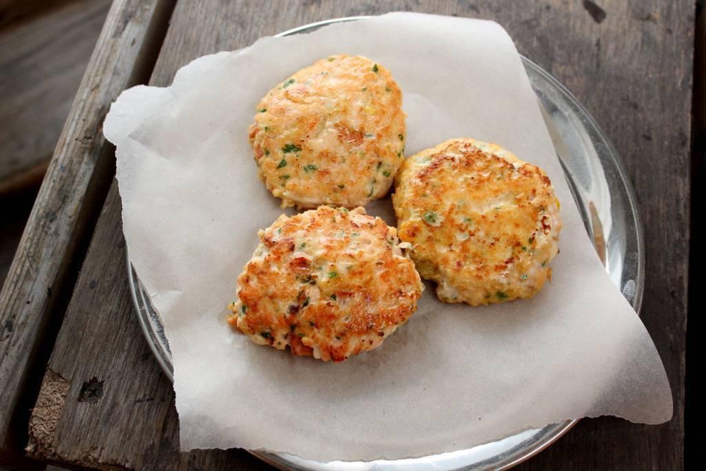 Котлеты из семги в духовке – кулинарный рецепт