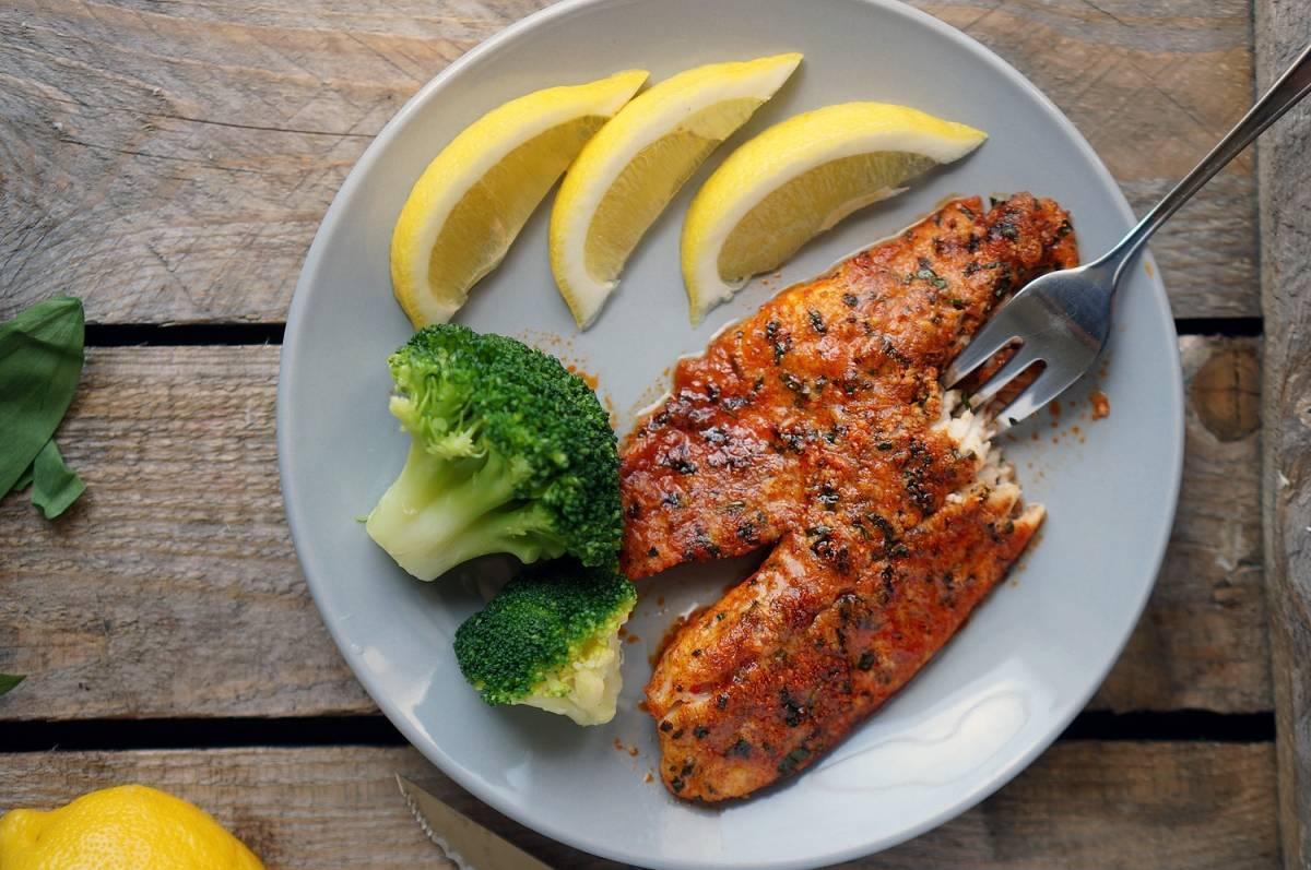 Филе тилапии в духовке: 7 диетических рецептов, полезные советы