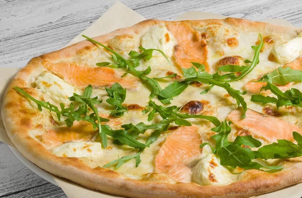 Пицца сосливочным сыром илососем