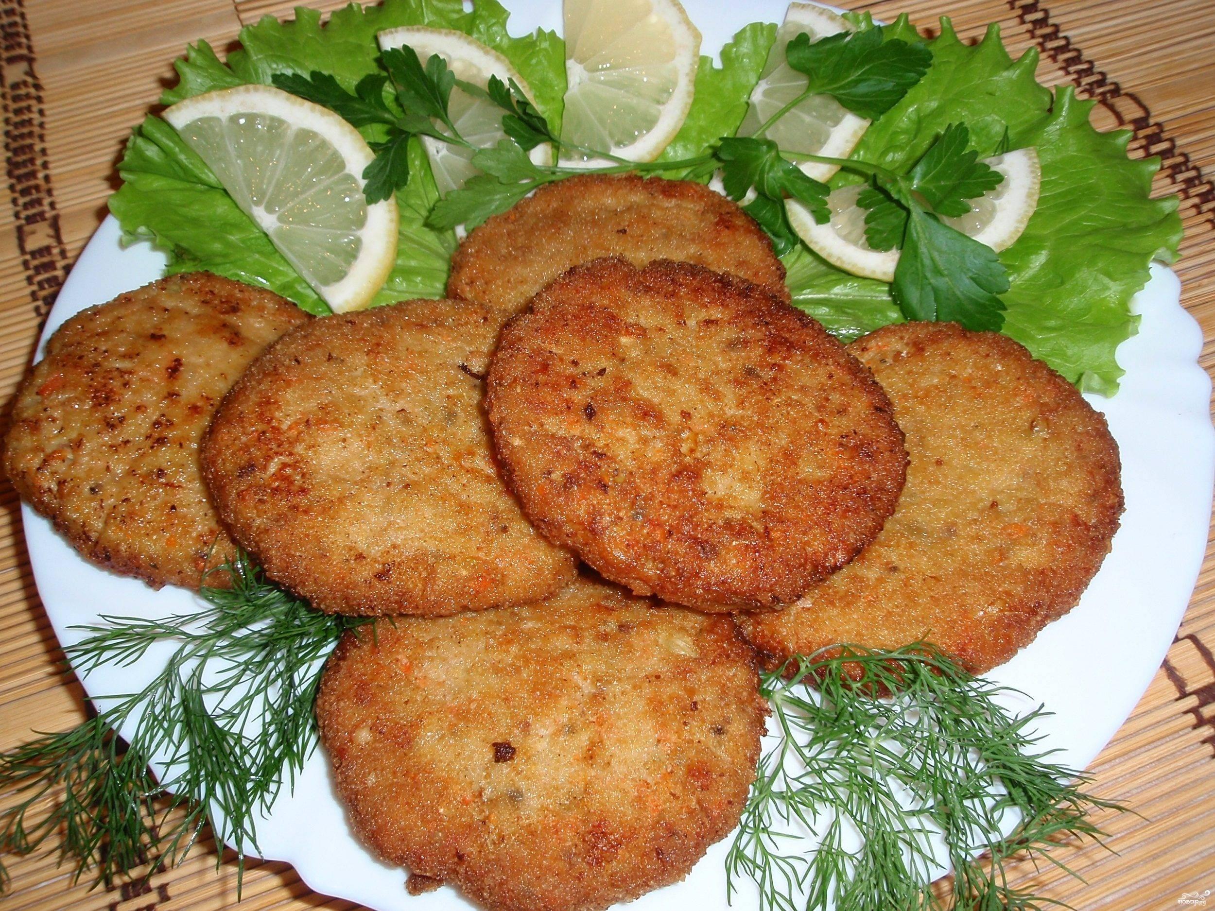 Как пожарить рыбные котлеты из карася по пошаговому рецепту - кушаем вкусно