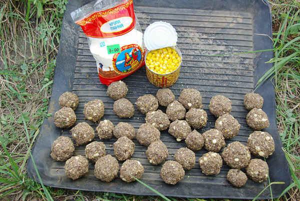 Рецепты домашней прикормки для карпа своими руками для кормушки