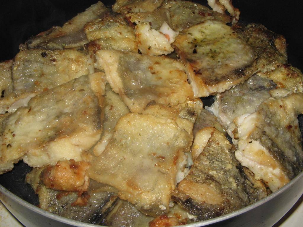 Как тушить рыбу на сковородке
