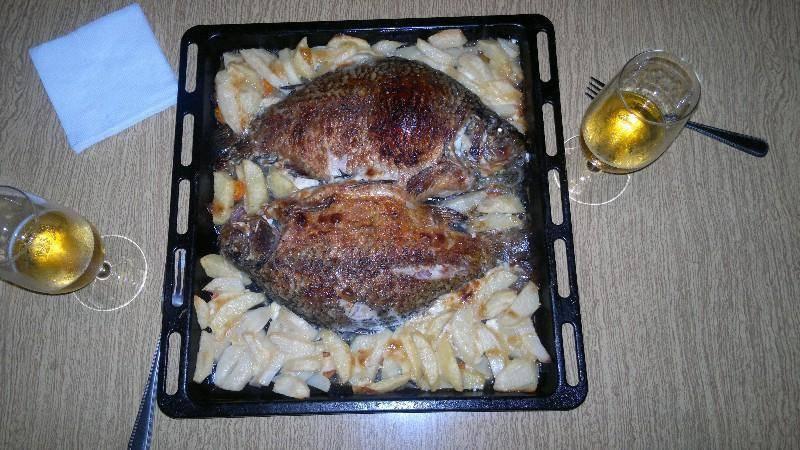 Карась, запеченный в духовке в фольге / блюда из карася / tvcook: пошаговые рецепты с фото