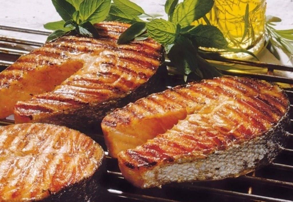 Семга на гриле. маринад. соусы. рецепты. фото.