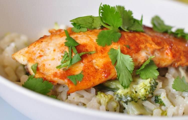 Рыба с рисом в духовке: секреты приготовления