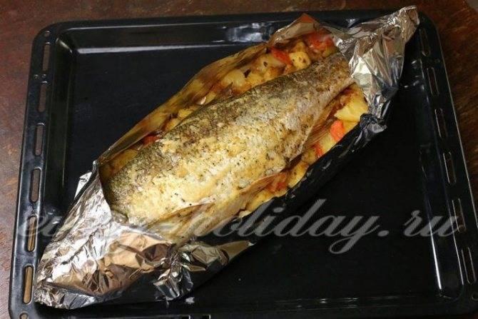 Жерех в духовке (16 фото): как приготовить рыбу по рецепту целиком? особенности приготовления жереха, запеченного в фольге