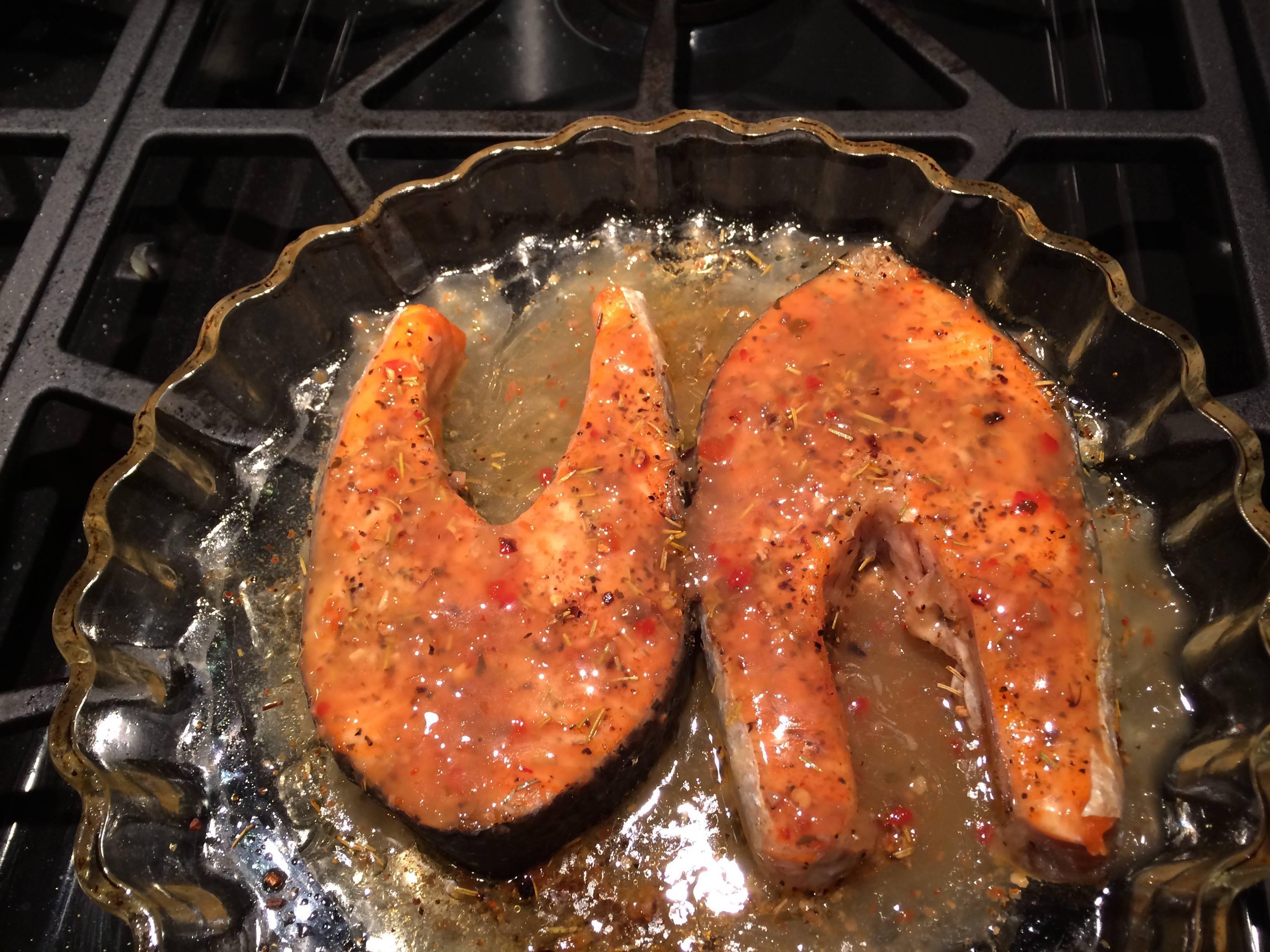 Стейк из лосося в духовке: топ-9 домашних рецептов к празднику