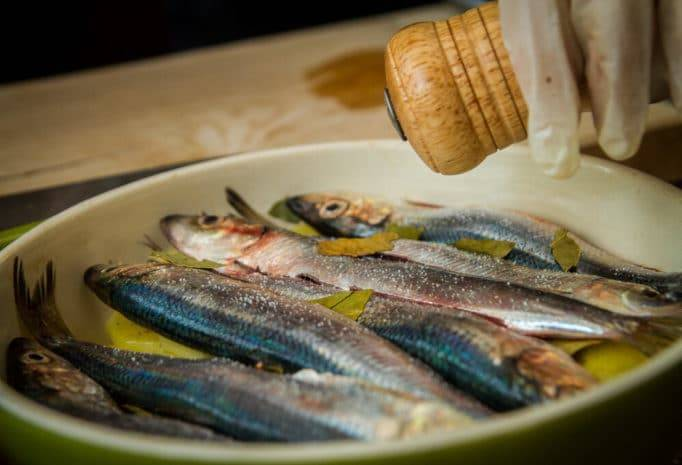 Шпроты в домашних условиях из речной рыбы