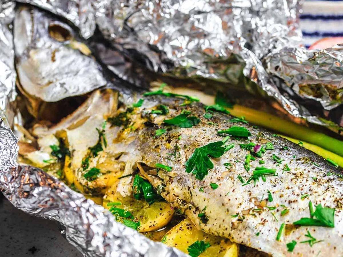Как приготовить щуку в духовке целиком: рецепты, фото, способы запечь в фольге