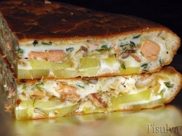 Заливной пирог с рыбными консервами и картошкой на майонезе