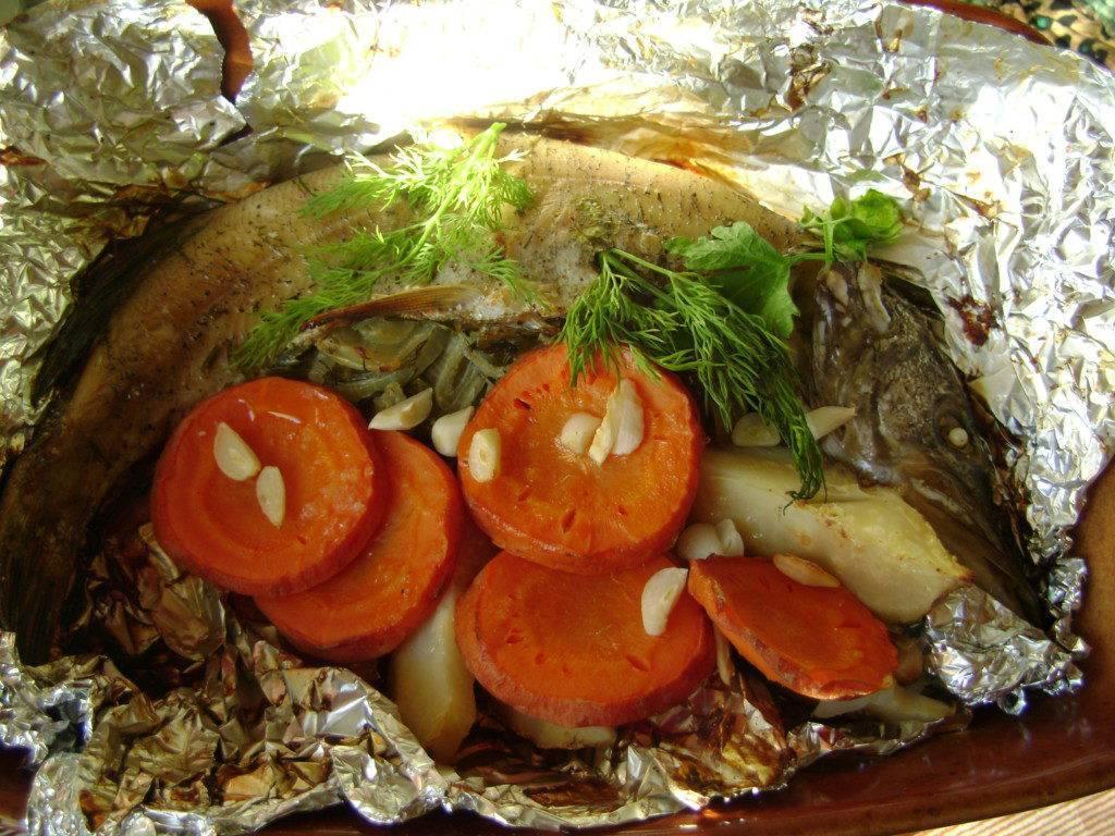 Рыба в рукаве в духовке / блюда из форели / tvcook: пошаговые рецепты с фото