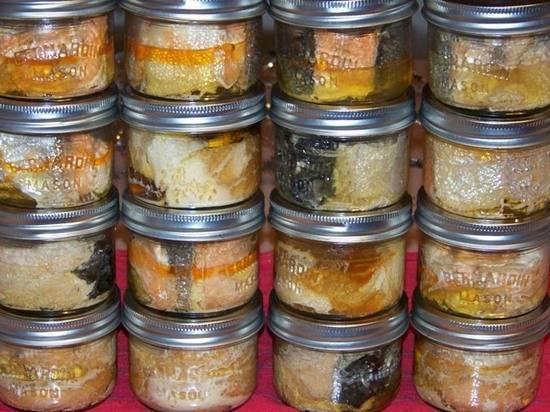 Как сделать консервы из карпа в домашних условиях: рецепты в духовке, в кастрюле, в мультиварке, в автоклаве