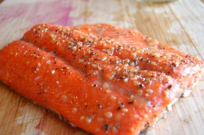 Как быстро разморозить рыбу в домашних условиях без микроволновки