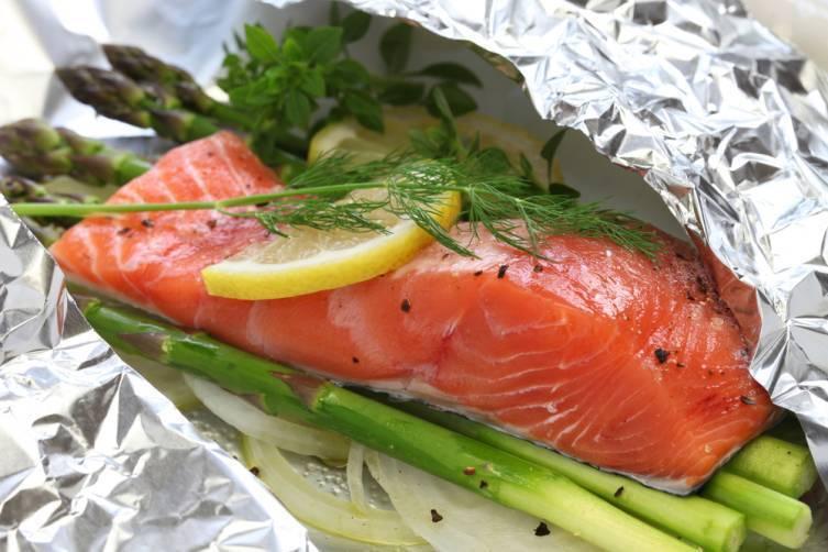 Как приготовить лосось в духовке: 7 рецептов с фото