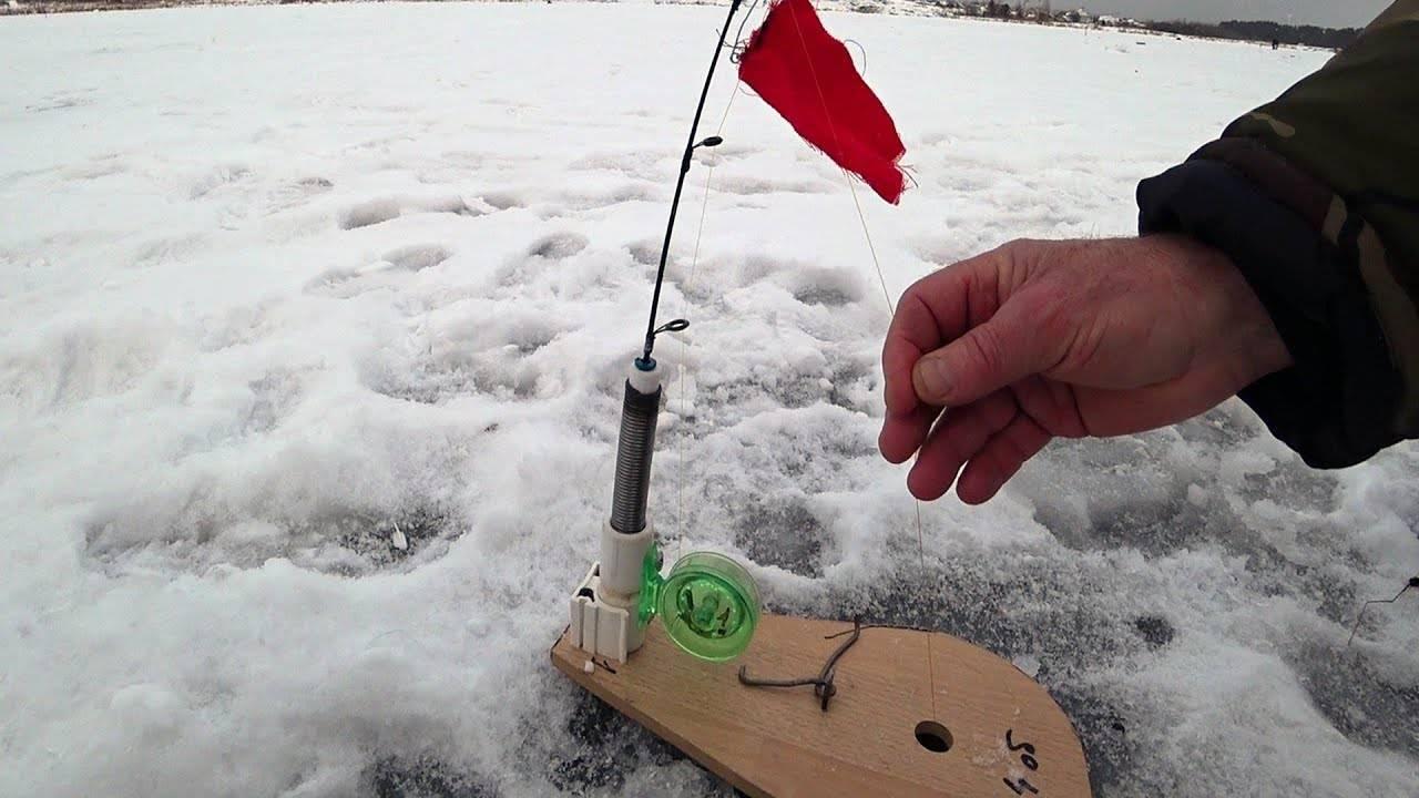 Самоподсекающая удочка (21 фото): виды для летней и зимней рыбалки, обзор fishergoman с подсекателем, устройство удочек с самоподсекателем и отзывы рыболовов